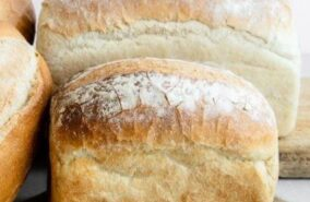 baker toms wholemeal and white loaf