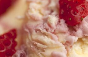 Strawberry and clotted cream icecream