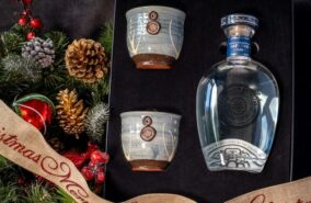 Rosemullion gin gift set sold at baileys country store